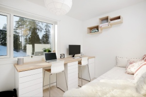 Ikea hack: Home office with plenty of space